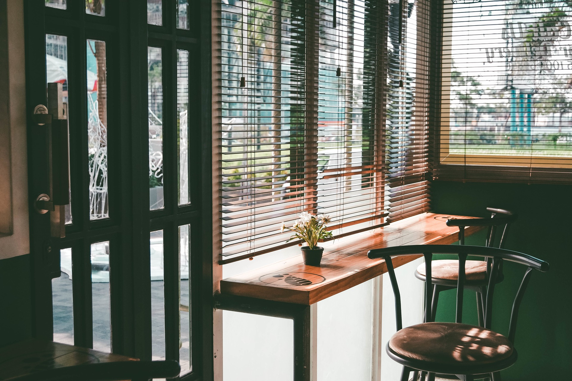fepuro-fenster-putzer-rostock-glasreinigung-bars-kneipen-restaurant